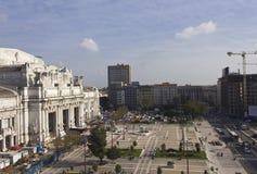 Panoramica della costruzione della stazione centrale di Milano Fotografia Stock Libera da Diritti