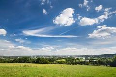 Panoramica di Aquisgrana con cielo blu profondo Fotografia Stock Libera da Diritti