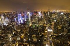 Panoramica di Manhattan alla notte dall'Empire State Building Immagini Stock