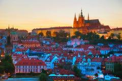 Panoramica di Praga con la st Vitus Cathedral Fotografia Stock Libera da Diritti
