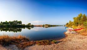 Panoramica di un allungamento dello stagno di Petrosu, Orosei sardinia fotografia stock libera da diritti