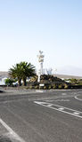 Panoramica di una rotonda con tributo della scultura al contadino fotografia stock libera da diritti