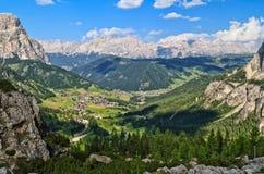 Panoramica di Val Badia - di Dolomiti Immagini Stock Libere da Diritti