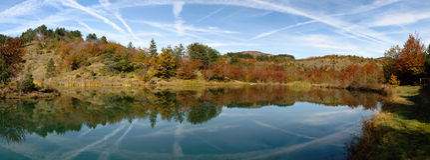 Panoramica Lago del Bocco Photos stock