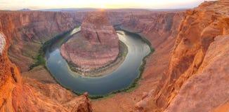 Panoramica panoramica della curvatura a ferro di cavallo vicino alla pagina, Arizona Fotografie Stock Libere da Diritti