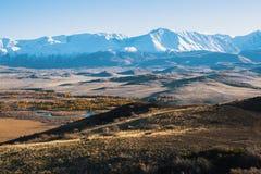 Panoramico della cresta di Altai-Chuya, montagna di Altai, Siberia ad ovest Immagini Stock