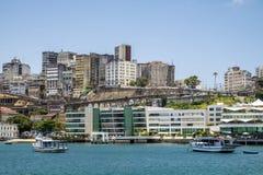 Panoramico di Salvador de Bahia dalla baia di Todos los Santos Immagini Stock Libere da Diritti