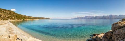 Panoramiczna plaża i morze na pustyni des Agriates w Corsica Obrazy Stock
