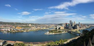 Panoramicznego widoku miasto Pittsburgh Zdjęcie Stock
