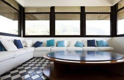 panoramiczny kanapy widok biel obrazy stock