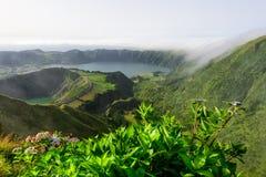 Panoramiczny krajobraz od Azores lagun w Portugalia Fotografia Royalty Free