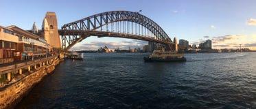 Panoramiczny krajobrazowy widok Sydney schronienia most Zdjęcie Stock