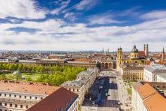 Panoramiczny strza? uniwersytet w Monachium zdjęcie stock