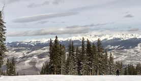 Panoramiczny widok śnieg góry zdjęcia stock
