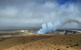 Panoramiczny widok aktywny Kilauea wulkanu krater fotografia royalty free