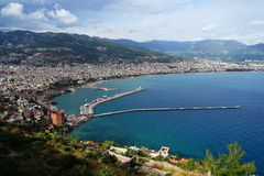 Panoramiczny widok Alanya schronienie i linia brzegowa, Turcja obraz royalty free