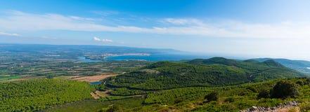 Panoramiczny widok Alghero linia brzegowa na słonecznym dniu obrazy stock