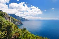 Panoramiczny widok Amalfi wybrzeże w Włochy obrazy stock