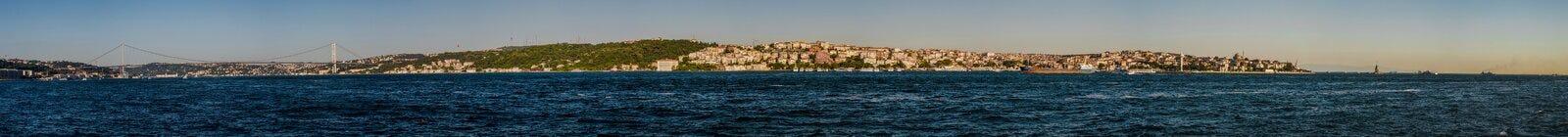 Panoramiczny widok Anatolian i Europejska strona Istanbuł zdjęcia stock