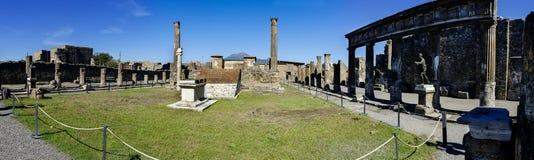 Panoramiczny widok Apollo świątynia w Pompeii Fotografia Stock