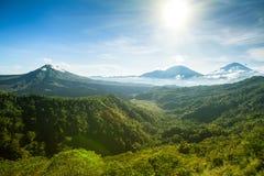 Panoramiczny widok Batur wulkan i Agung góra, Bali Zdjęcia Stock