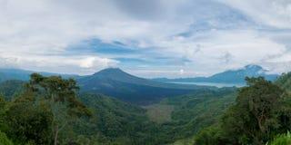 Panoramiczny widok Batur wulkan na Bali wyspie w Indonezja Obrazy Stock