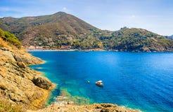 Panoramiczny widok Bonassola, antyczna wioska w Liguryjskim wschodnim wybrzeżu blisko 5 Terre, losu angeles Spezia prowincja, Wło zdjęcie stock