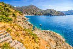 Panoramiczny widok Bonassola, antyczna wioska w Liguryjskim wschodnim wybrzeżu blisko 5 Terre, losu angeles Spezia prowincja, Wło obraz royalty free