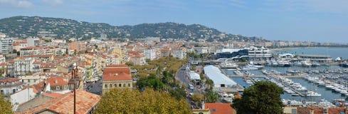 Panoramiczny widok Cannes budynki & Marina, Francja Zdjęcia Royalty Free