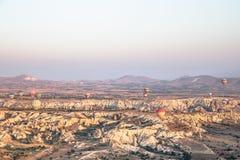 Panoramiczny widok Cappadocia, Turcja jak chwytający od gorące powietrze balonu zdjęcia royalty free