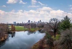 Panoramiczny widok central park i żółwia staw podczas opóźnionej jesieni - Nowy Jork, usa Fotografia Royalty Free