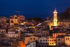 Panoramiczny widok citylights Corfu miasteczko przy nocą Obrazy Stock