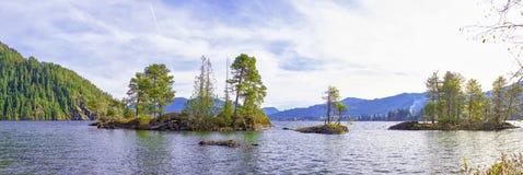 Panoramiczny widok Cowichan jezioro, Vancouver wyspa fotografia royalty free