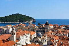 Panoramiczny widok Dubrovnik i Lokrum obraz stock