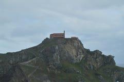 Panoramiczny widok erem San Juan De Gaztelugatxe Tutaj Jest Filmującym grze trony Architektury natury krajobrazy Zdjęcia Royalty Free