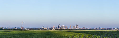 Panoramiczny widok Frankfurt magistrala - Am - Fotografia Stock