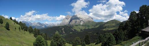 Panoramiczny widok górski włoscy dolomity przy latem Południowy Tyrol, Bolzano, Włochy fotografia royalty free
