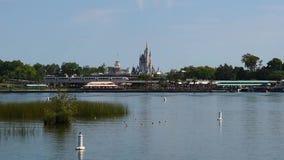 Panoramiczny widok kasztel, Main Street stacja i Siedem morzy laguna od Ferryboat Jednoszynowy, Kopciuszek, zdjęcie wideo
