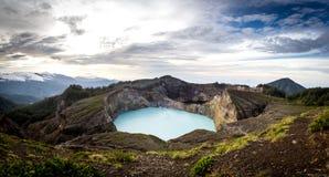 Panoramiczny widok Kelimutu krateru jeziora w Kelimutu obywatela normie Obraz Stock