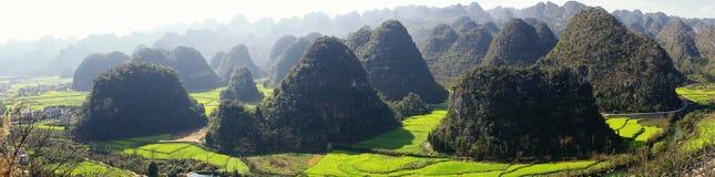 Panoramiczny widok krasu krajobraz obraz royalty free