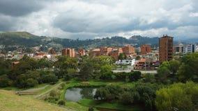 Panoramiczny widok miasto Cuenca od ruin Pumapungo Zdjęcie Royalty Free