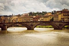 Panoramiczny widok miasto Florencja Burz chmury zakrywają niebo obraz stock