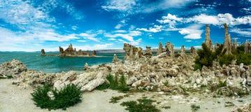 Panoramiczny widok Mono jezioro Zdjęcia Royalty Free