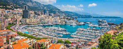 Panoramiczny widok Monte, Carlo schronienie w Monaco - zdjęcie stock