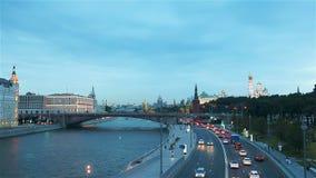 Panoramiczny widok Moskwa punkt zwrotny podczas zmierzchu od Zaryadye parka zdjęcie wideo