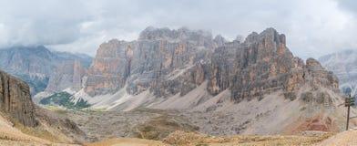 Panoramiczny widok na dolomitach w Włochy fotografia royalty free