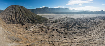 Panoramiczny widok na górze Bromo wulkanu halnego krateru, Wschodni Jav Obraz Royalty Free