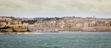 Panoramiczny widok na linia horyzontu Senglea, Vittoriosa i Marina, zdjęcia royalty free