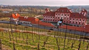 Panoramiczny widok na ogródzie i Troja roszujemy, Praga zbiory wideo