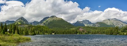 Panoramiczny widok na pięknym Wysokim Tatras obrazy royalty free